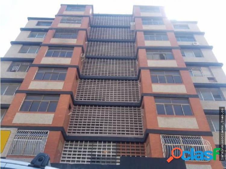 Vendo Apartamento 5 de Julio MLS 19-14489 HJGR