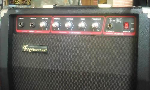 Amplificador Fretmaster 30 Modelo B-30