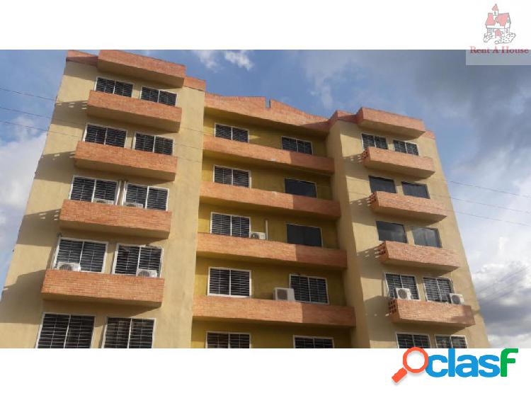Apartamento en Venta Monteserino Cv 19-13472