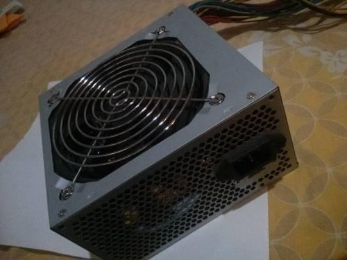 Fuente De Poder Atx 600w 20+4 Pin Sata Con Conector De Video