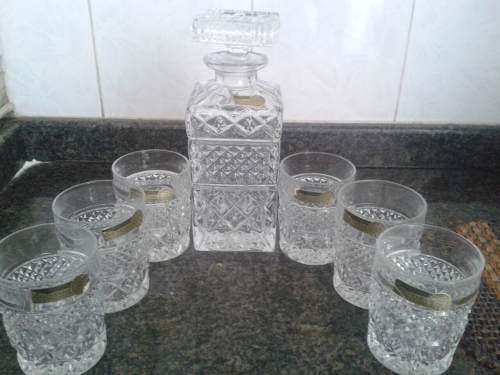 Juego De Licorera Con 6 Vasos Cristal De Bohemia