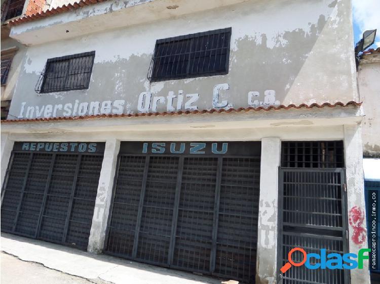 Se Vende Local en la Isabelica