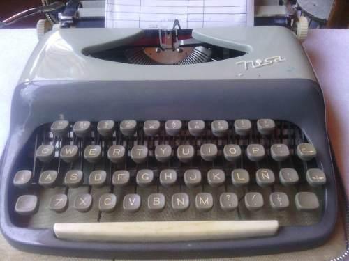 Maquina De Escribir Antigua Funciona A La Perfección