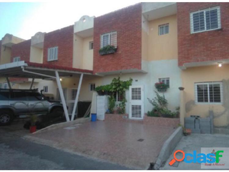 Excelente casa en venta en Cabudare