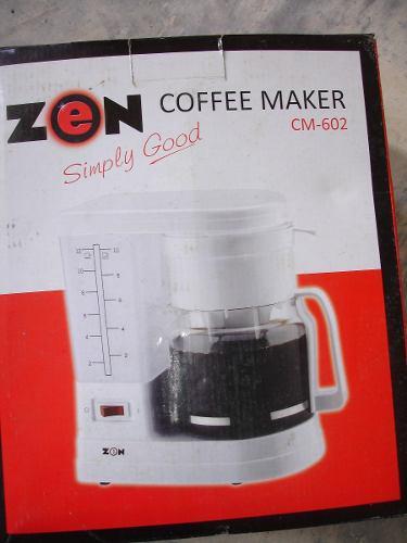 Cafetera Eléctrica 12 Tazas Marca: Zoen... Blanca..nueva
