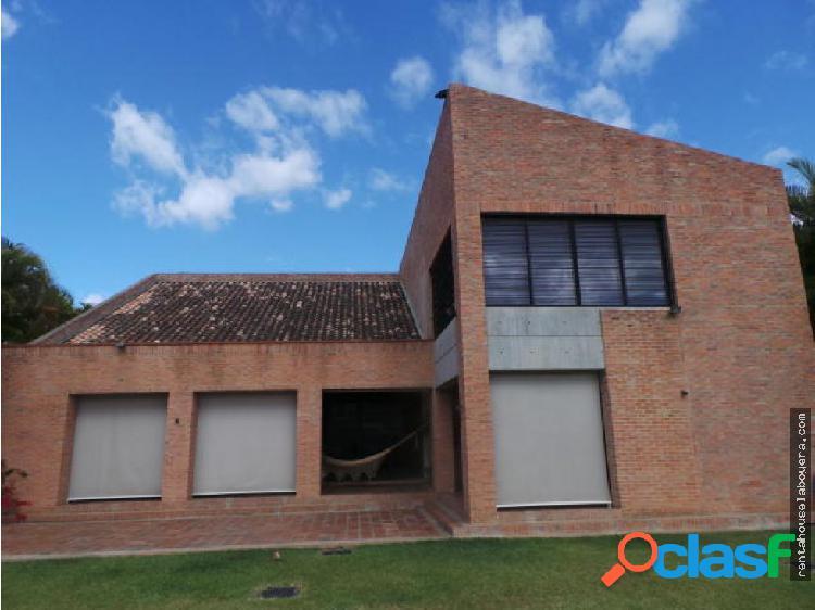 Casa en Venta La Tahona GN3 MLS14-835