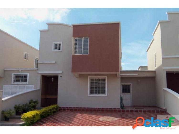 Bella casa en el este de Barquisimeto cs