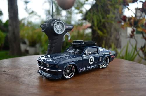 Carro A Control Remoto. Mustang 67
