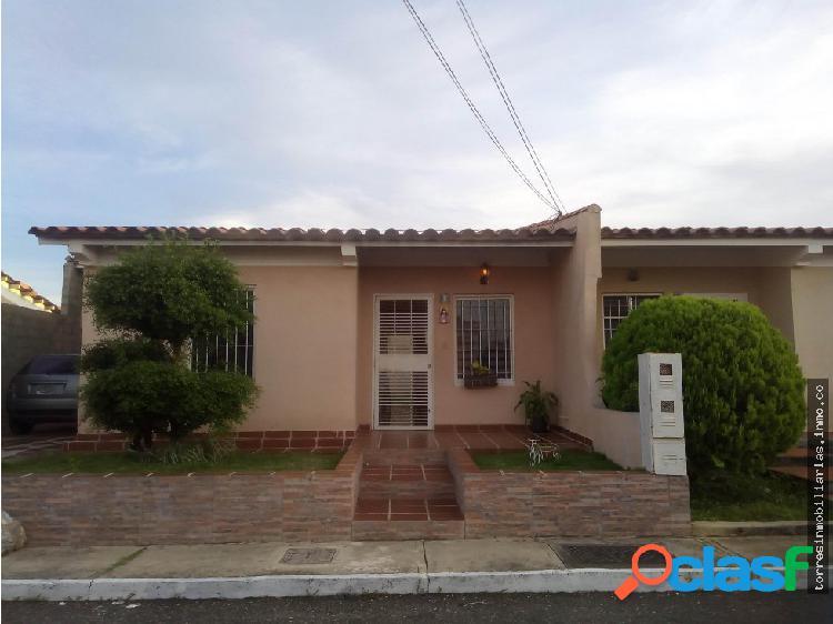 Casa en Venta Cabudare La Piedad Norte 19-1370
