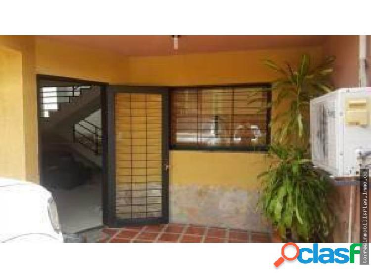 Casa en Venta Cabudare La Piedad Norte 19-3747