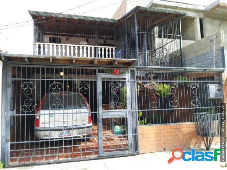 Casa en Venta Cabudare La Puerta 19-13372