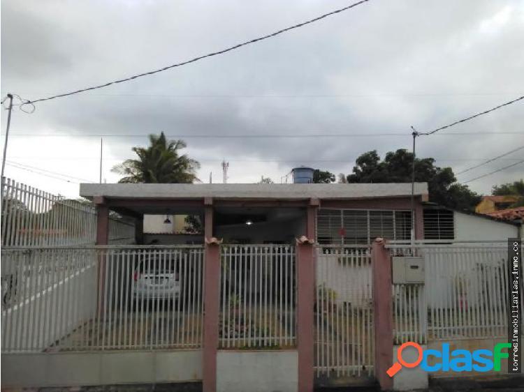 Casa en Venta El Recreo Cabudare 19-9392