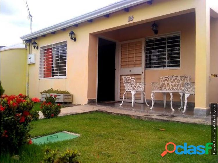 Casa en Venta en La Piedad Norte 19-13676 DS