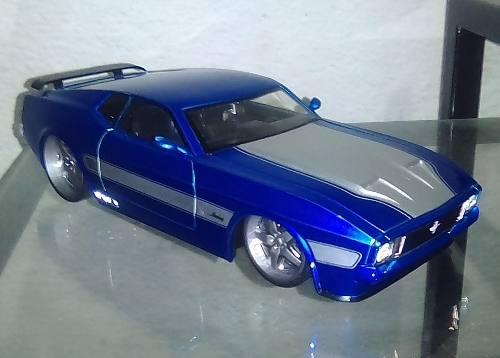 Ford Mustang  Escala 1/24 Colección Jada En Caja 30vrds