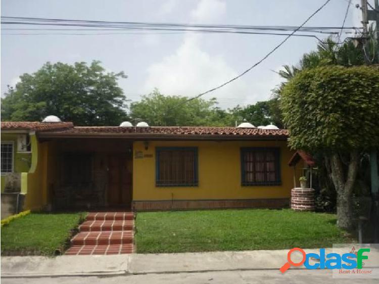 hermosa casa ubicada en el este de barquisimeto