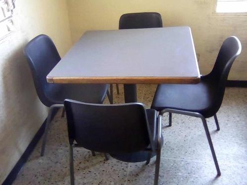 Mesa Con 4 Sillas Para Restaurant (80$)