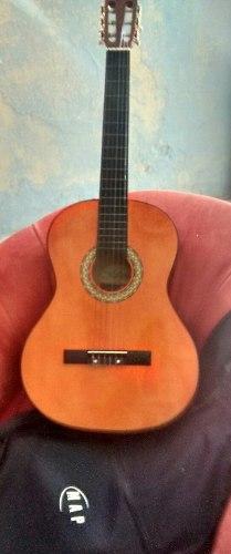 Guitarra Acústica Clásica (ubicada En Pto La Cruz)