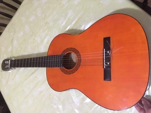 Guitarra Acustica Kingo Usada