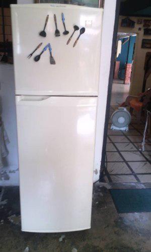 Nevera Refrigerador Daewoo 9 Pies Sin Escarcha Usada
