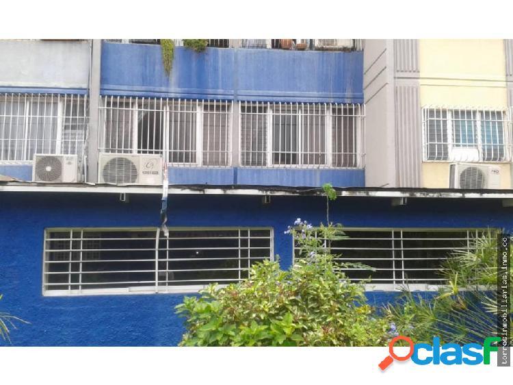 Apartamento en Venta Cabudare La Mora 19-8757
