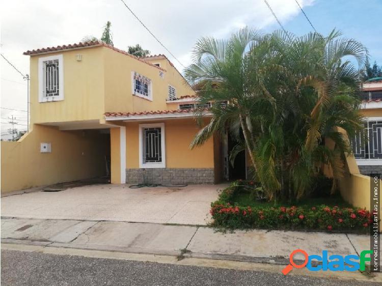 Casa en Venta Cabudare La Mora 19-1383