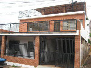 Casa Multifamiliar en 5 de Julio 3 Niveles 6 habitaciones
