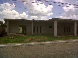Casa de 266 m2 en el urbanismo El Rosario de Anaco (terreno