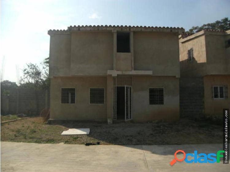Casa en Venta La Montañita Cabudare 19-6921RR