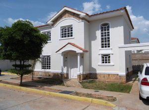 Casa en venta Maracaibo sector Canchancha Remaxmillenium