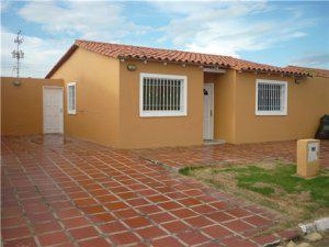 Hermosa casa semi amoblada en la Urb Las Delicias II