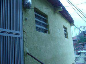 Vendo Casa en El Valle cerca del Metro Caracas