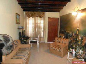 Vendo bella casa con anexo tipo Chalet Urbanizacion Ciudad