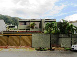 Venta de grandiosa casa en La Viña MLS 12