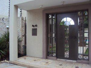 Villa cerrada en venta en juana de avila
