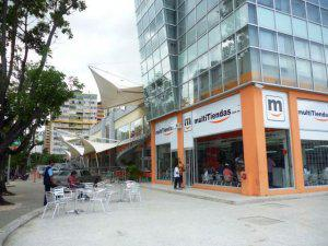 Alquilo Local Comercial en C.C Free Market Naguanagua Cod.13