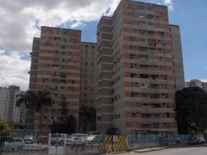 Venta de apartamento en avenida ayacucho, maracay. Cod. 15