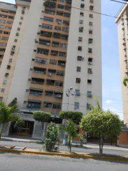Venta de apartamento en avenida bermudez, maracay, cod. 15