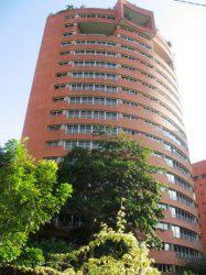 Venta de espectacular apartamento duplex en Los Mangos MLS
