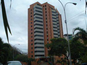Venta de espectacular apartamento en Las Chimeneas MLS 11