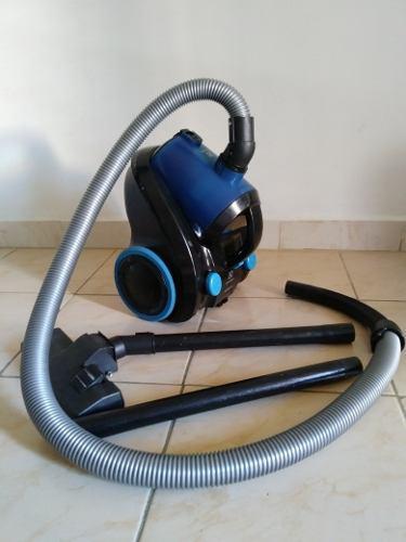 Aspiradora Electrolux Smart 1200w (usada)