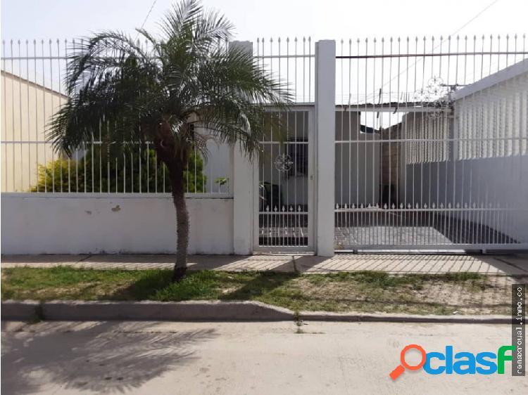 Cod 39827 Casa en la Urb El Saman