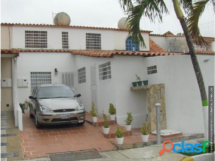 Venta de Casa en La Rosaleda, Lara