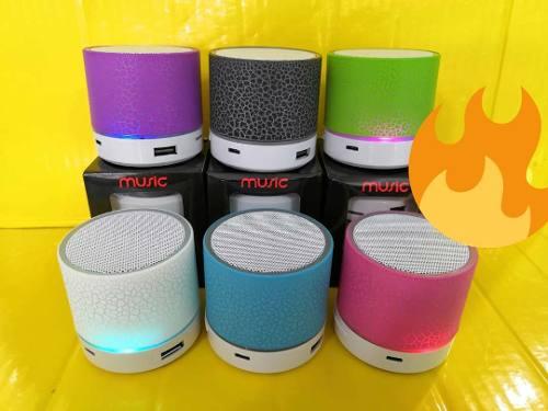 Corneta Portátil Led Mini Speaker Mp3 Bluetooth Tienda