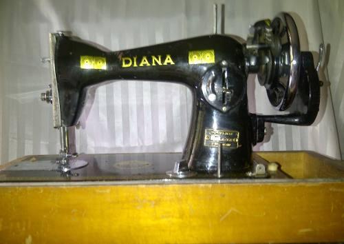 Maquina De Coser Antigua Marca Diana Para Adorno