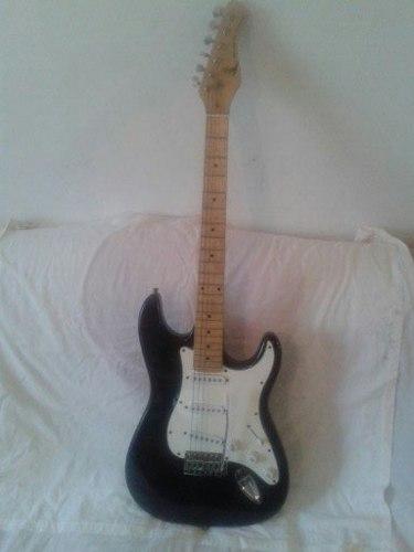 Guitarra Black Hawk Modelo Stratocaster