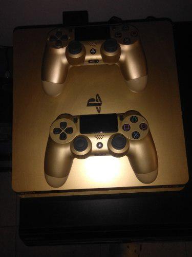Vendo Ps4 Edición Limitada Gold Con 2 Controles Y 2 Juegos