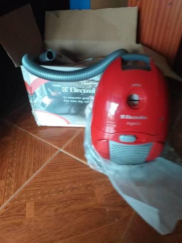 Aspiradora Electrolux 1300w Ingenio Nueva En Su Caja