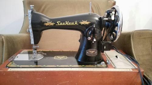 Maquina De Coser Americana Marca Seahawk, Con Su Caja