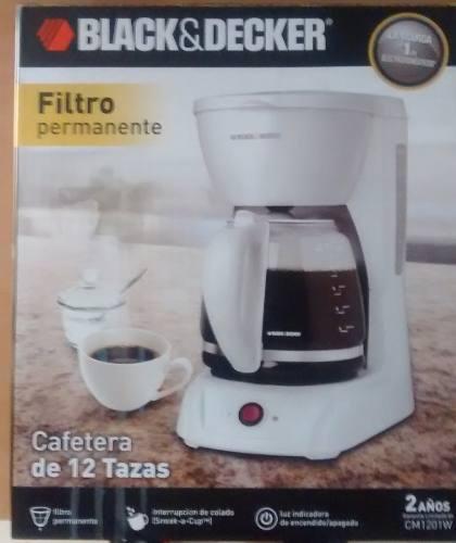 Cafetera Black & Decker De 12 Tazas Modelo: Cm1201 W.