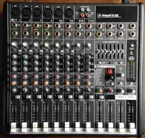 Consola Audio Mackie Profx Verdes Por Motivo De Viaje